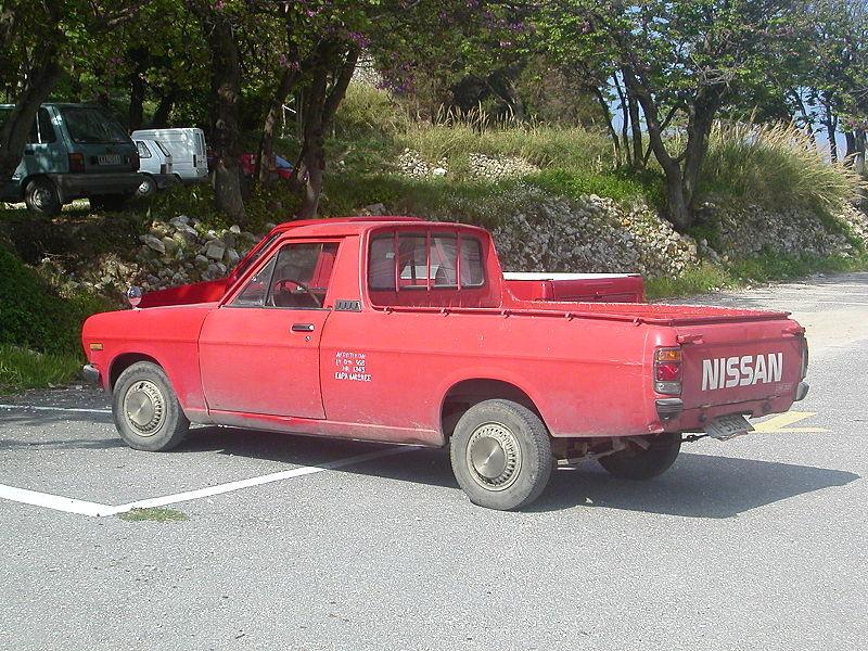 800px-Nissan_Pickup_Truck_in_Palaiokastritsa